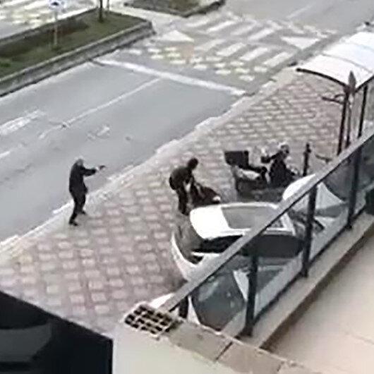 Başakşehirdeki silahlı çatışma kameralara yansıdı