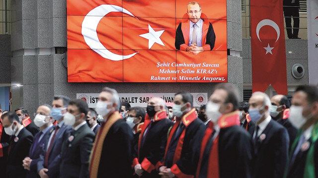 Bir Selim gider bin Selim geliriz: Şehit savcı Kiraz anıldı