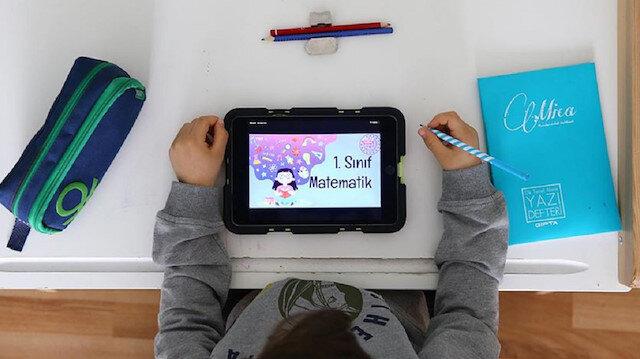 Milli Eğitim Bakanı Selçuk: 26 ilimize 27 bin 445 tablet bilgisayar setini ulaştırıyoruz
