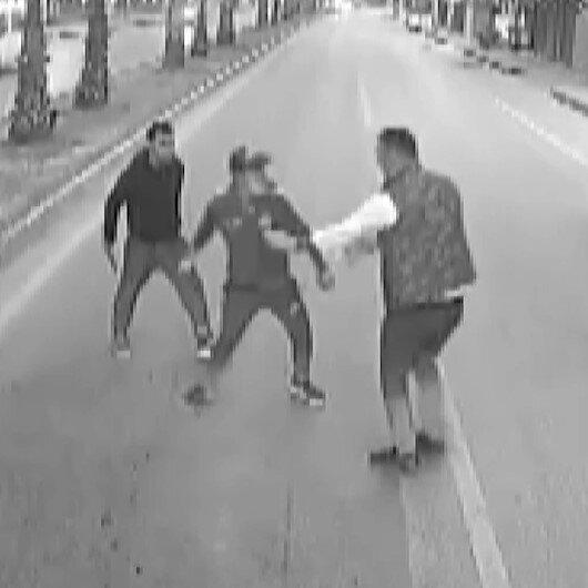 Antalyada darp edilen kadını otobüs şoförü kurtardı