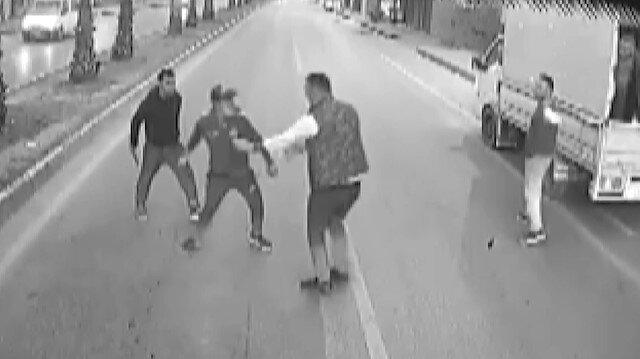 Antalya'da darp edilen kadını otobüs şoförü kurtardı