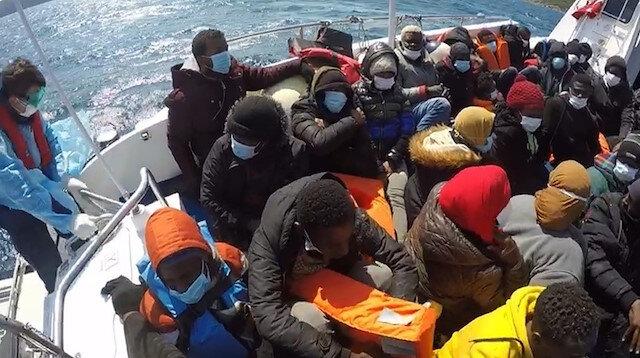 Türk kara sularına itilen 37 göçmen kurtarıldı