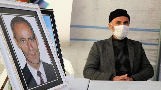 Evlat nöbetine bir aile daha katıldı: Kardeşi 'terörden arananlar' listesinde bulunuyor
