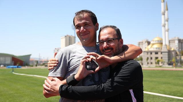 Bakan Kasapoğlu'ndan 2 Nisan Dünya Otizm Farkındalık Günü paylaşımı