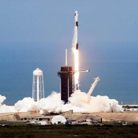Uzaya fırlatılan roketin parçası tarlaya düştü
