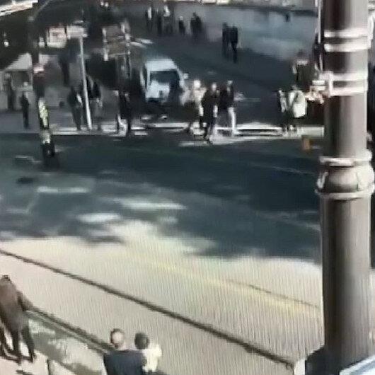 Sultanahmette hareketli anlar: Kavga ettiği kişilerin üzerine otomobilini sürdü