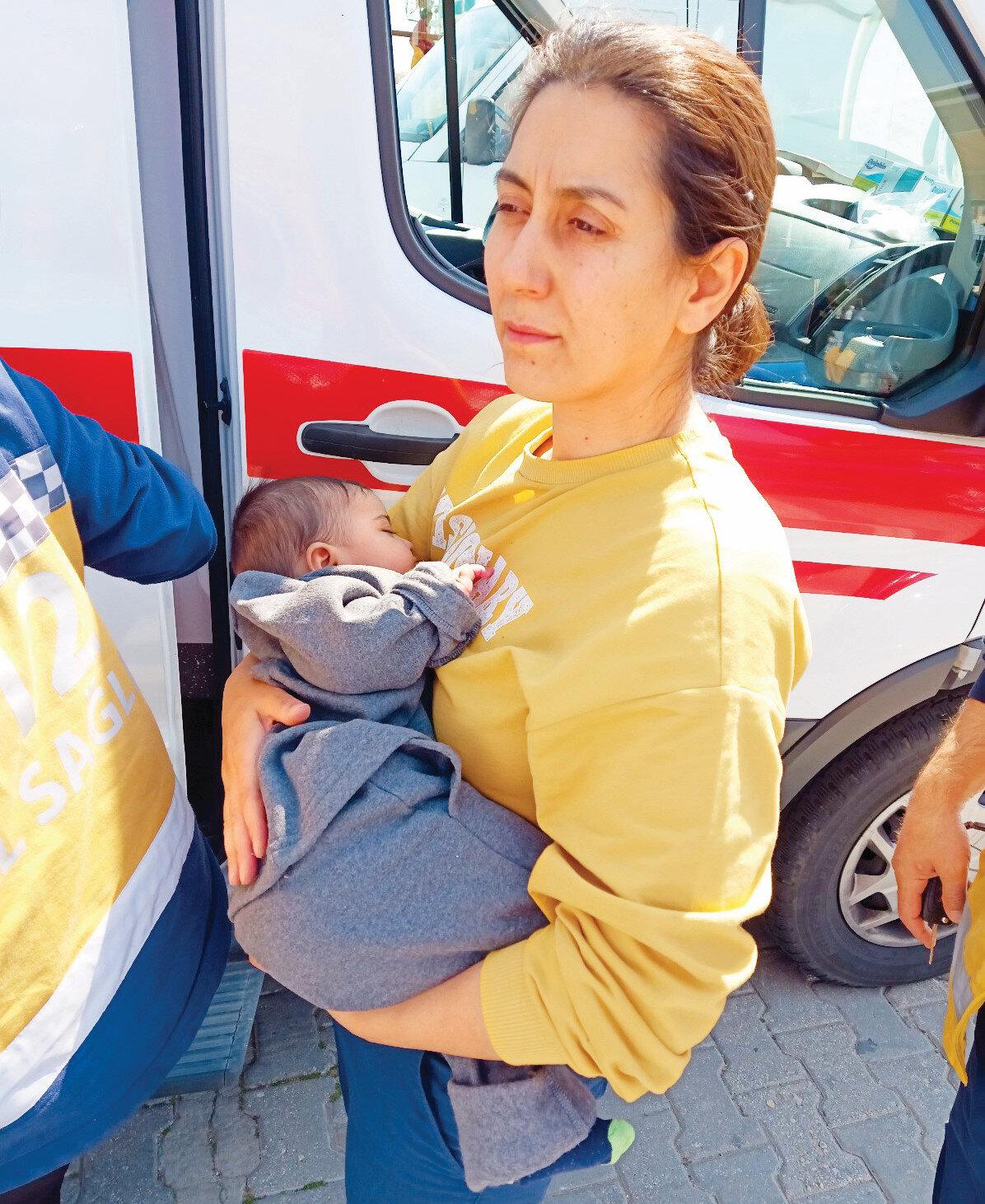 231 göçmen arasında bebek ve çocuklar da vardı. Kurtarılan insanlara 112 Acil Sağlık ekipleri müdahale etti.
