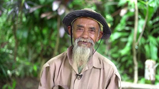 70 yaşındaki 'Java'nın delisi' tek başına 11 bin ağaç dikti