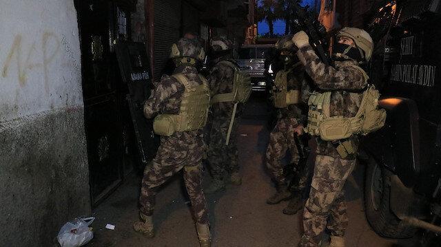 Adana merkezli 4 ilde düzenlenen uyuşturucu operasyonunda 25 şüpheli hakkında gözaltı kararı