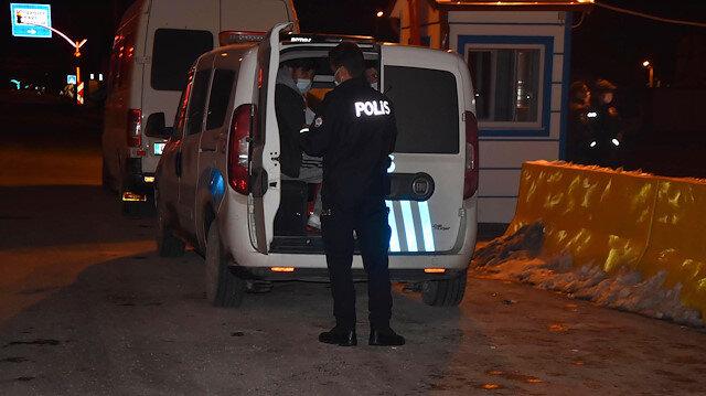 Durdurulan iki kamyonette 31 düzensiz göçmen yakalandı