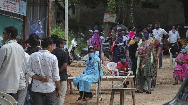 Hindistan'da vaka sayısında rekor: Salgının başından bu yana en yüksek düzeye ulaştı