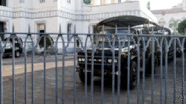Askeri cunta İngiltere'nin Myanmar Büyükelçiliği'ni işgal etti