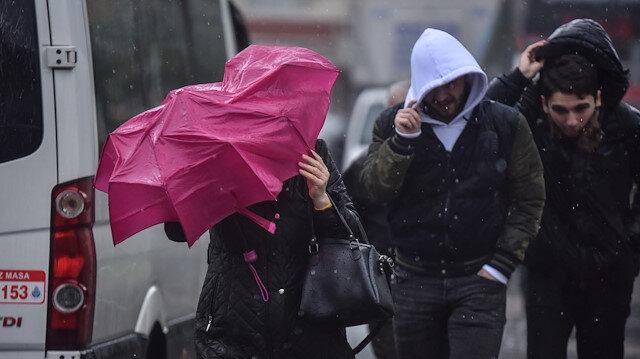 Meteorolojiden 3 bölgeye kuvvetli rüzgar uyarısı