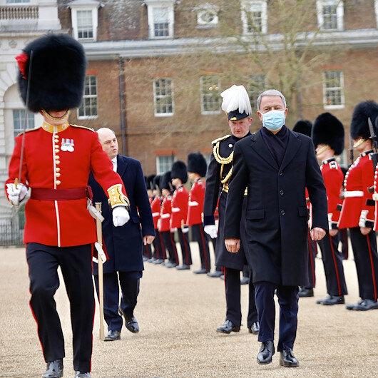Milli Savunma Bakanı Hulusi Akardan İngiltereye ziyaret