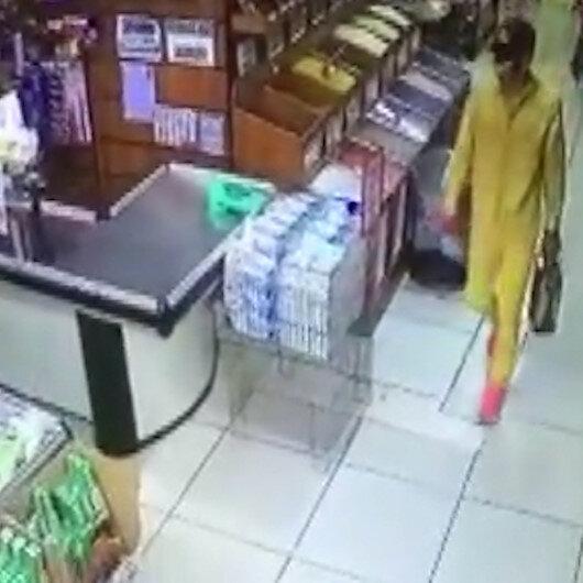 Esenlerde 5 litrelik sıvı yağı çalan hırsız marketten elini kolunu sallayarak çıktı