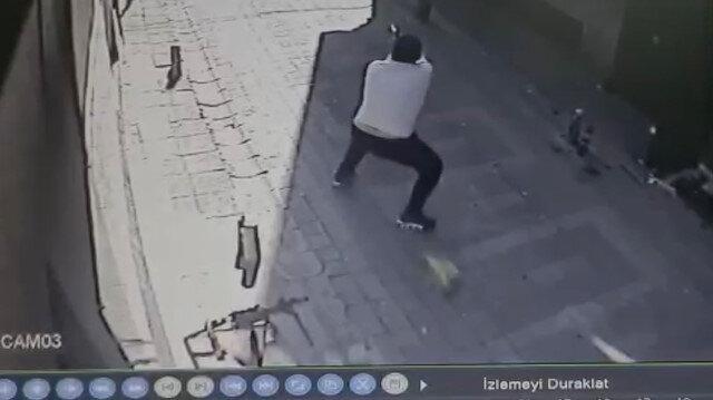 Kağıthane'de silahlı dehşet: Kavgayı ayırmak isteyen vatandaşı vurdu