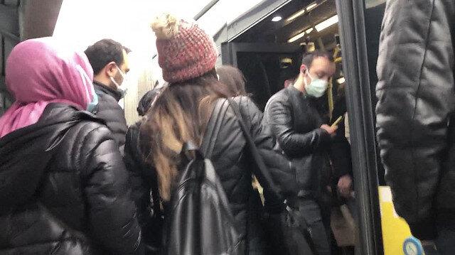 İstanbul'daki toplu taşıma araçlarında yine aynı manzara: Tıka basa yolculuğun önüne geçilemiyor