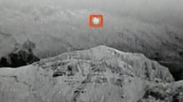 Hakkari'de teröristlerin üs bölgesine saldırı için gönderdiği balon böyle imha edildi