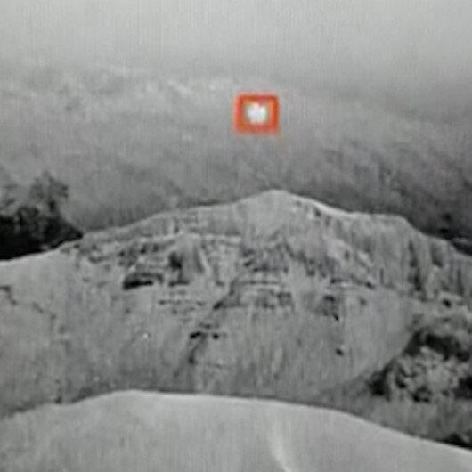 Hakkaride teröristlerin üs bölgesine saldırı için gönderdiği balon böyle imha edildi