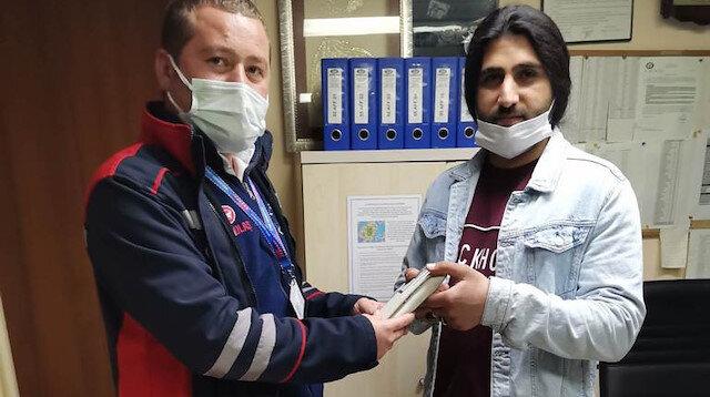 Samsun'da insanlık ölmemiş dedirten olay: Tramvayda bulduğu yaklaşık 20 bin lirayı sahibine teslim etti