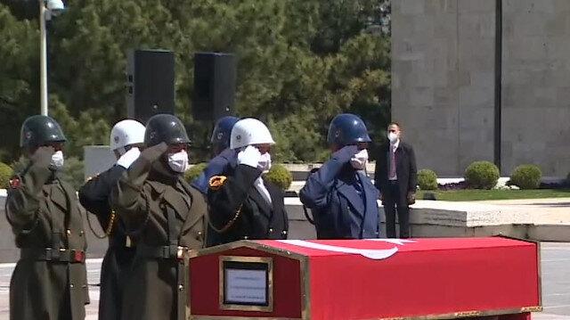 Vefat eden eski Başbakan Yıldırım Akbulut için TBMM'de tören düzenlendi