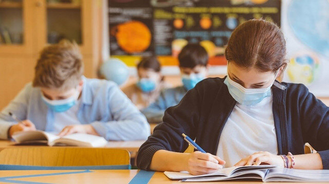 Liselerde yüz yüze ve uzaktan eğitim detayları belli oldu