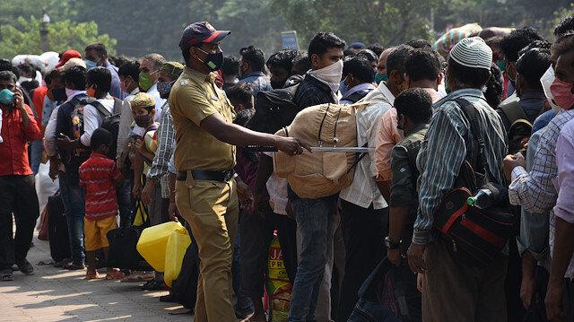 Günlük vaka sayısı 200 bini aştı: Hindistan'da kabus büyüyor