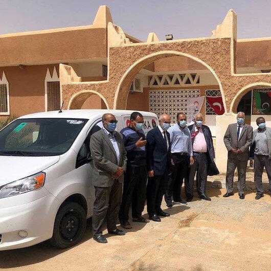 """ليبيا.. """"تيكا"""" التركية تتبرع بسيارة نقل أدوية لمركز صحي بغدامس"""