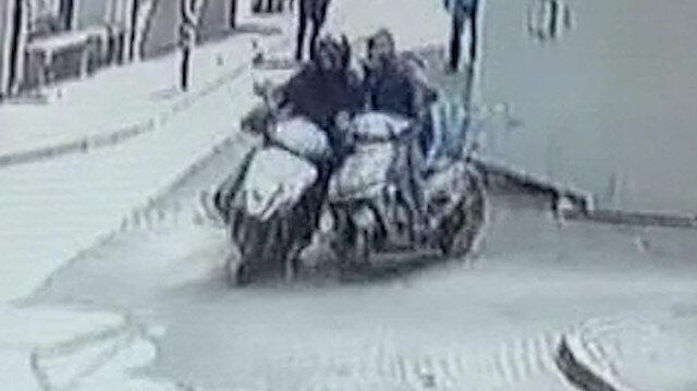 Bursa'da iki motosiklet böyle çarpıştı: Çarptığı sürücü acı içinde kıvranırken kaçtı