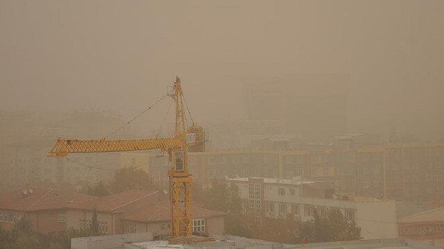 İstanbul ve 3 il için pazar akşamına kadar toz taşınımı uyarısı