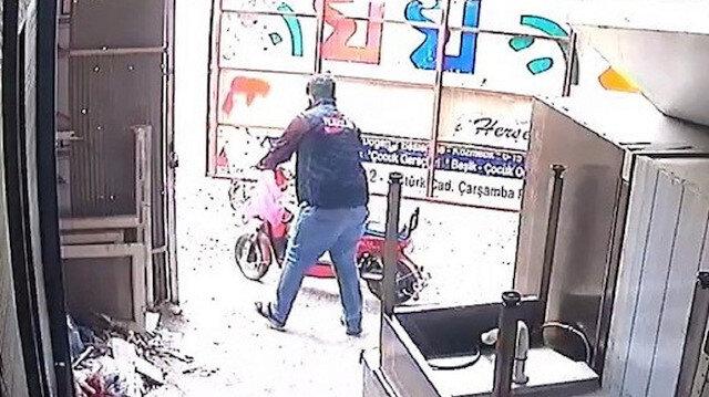 Osmaniye'de sahibinin gözü ününde güpegündüz elektrikli bisiklet hırsızlığı