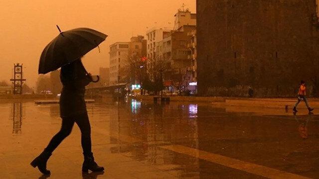 Meteoroloji uyardı: Marmara Bölgesi'nde sağanak ve toz aşınımı bekleniyor