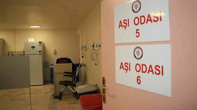 Aşı odaları boş kaldı: Başhekim sırası geleni 'kliniklerimiz gece 24'e kadar çalışmaktadır' diyerek davet etti