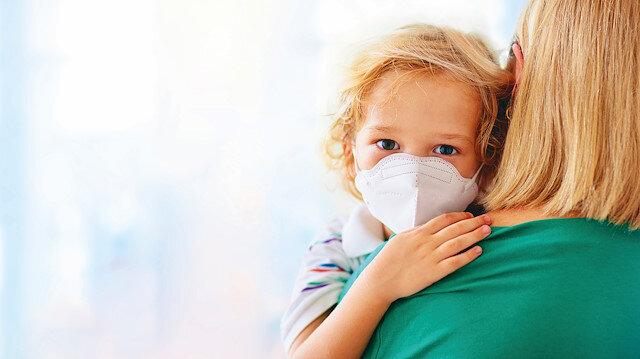 Koronavirüs çocuğa anne babadan bulaşıyor