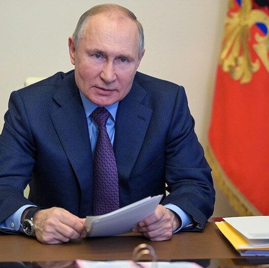 بوتين يقر بوجود صعوبات في الاقتصاد الروسي جراء كورونا