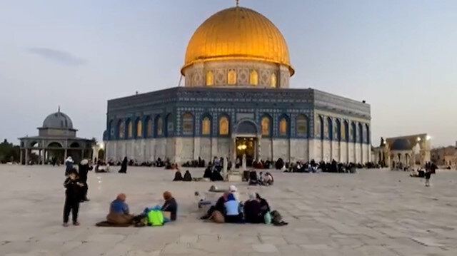 Kudüs halkı Mescid-i Aksa'nın avlusunda iftar açtı
