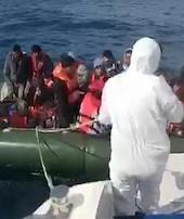 Yunanistan itiyorTürkiye kurtarıyor
