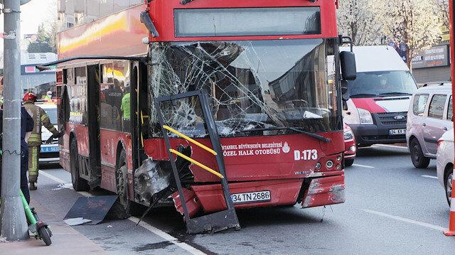 Beşiktaş'ta çift katlı otobüs bariyerlere çarptı:1 yolcu hayatını kaybetti