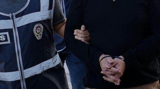 Tedirgin hareketleri ele verdi: 7 yıl kesinleşmiş hapis cezası bulunan hükümlü parmak izinden yakalandı