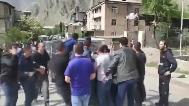 Ermenistan Başbakanı Paşinyan'a öfke dinmiyor: Defol, burada işin yok
