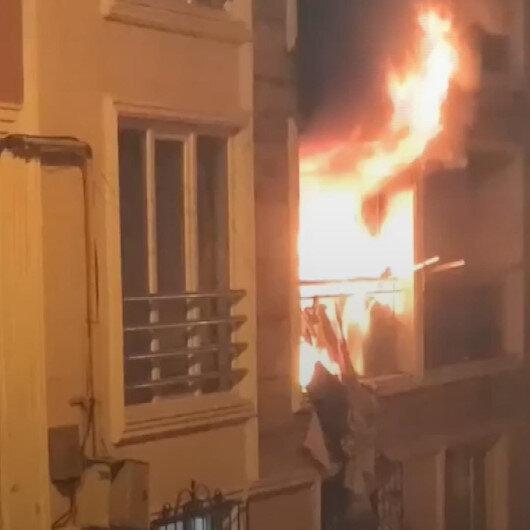 Bursa'da bir apartmanın ikinci katında bilinmeyen nedenle yangın çıktı