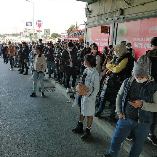 Pendikte bir türlü gelmeyen otobüs vatandaşı isyan ettiriyor