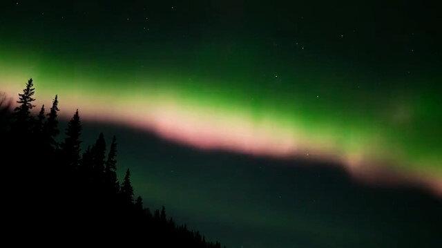 Alaska semalarında Kuzey Işıkları'nın büyüleyen dansı