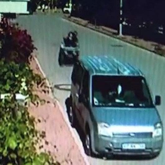 Antalyada ATV sürücüsü park halindeki araca çarpıp camından içeri girdi