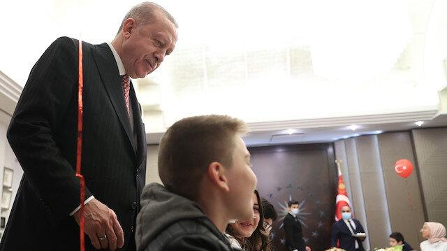 Cumhurbaşkanı Erdoğan, çocuklarla iftarda buluştu