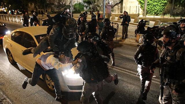 İsrail zulmü bitmiyor: Mescid-i Aksa'da ibadet edenlere yine saldırdılar