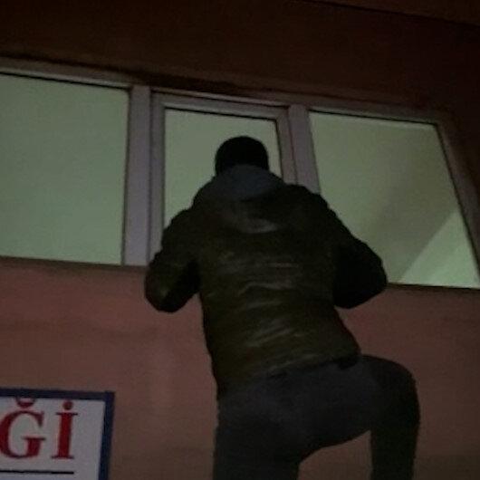 Beyoğlunda polis önce cama tırmanıp kontrol etti sonra baskın yaptı