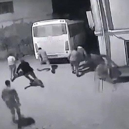 Bursada, yasakta toplanan köylüler jandarma aracını görünce böyle kaçtı