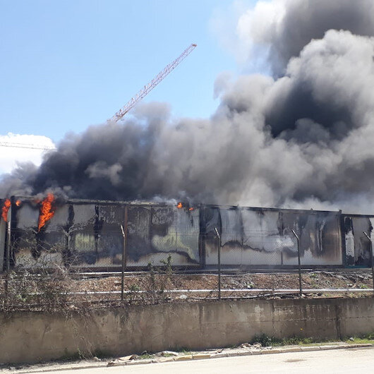 Esenlerde işçilerin kaldığı konteynerde yangın çıktı