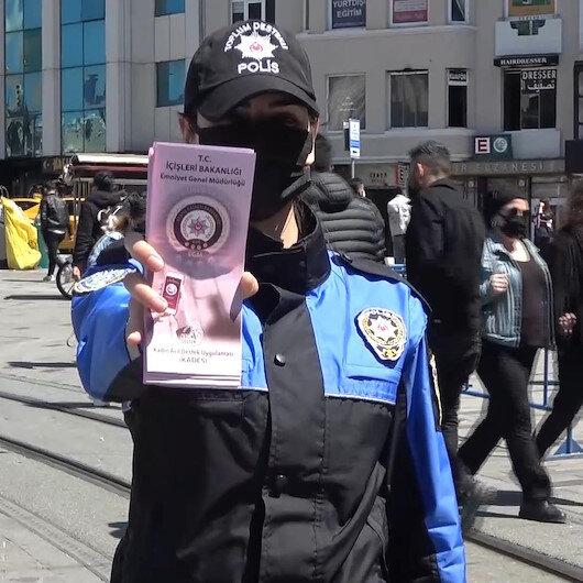 KADES uygulaması polis ekipleri tarafından İstiklal Caddesinde kadınlara tanıtıldı